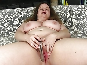 Bit Tit Plumper Desi Dae Uses Sex Playthings on Her Juicy Cunt
