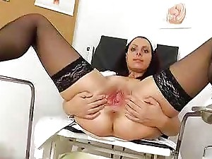 Speculum in a tight madam medic slit
