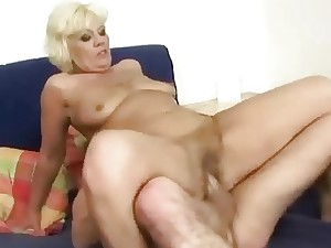 Youthful fellow pummels ultra-kinky fat granny