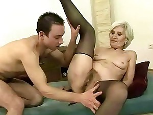 Granny in black pantyhose likes fucky-fucky with a guy