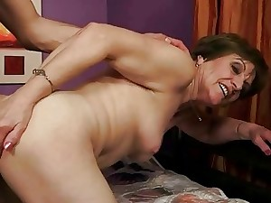 Grandmas and Youg Men Blowjob Kissing and Lovemaking