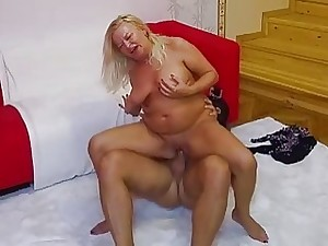 Uncensored granny Sharon pussy fucked wide of Mugur Porn