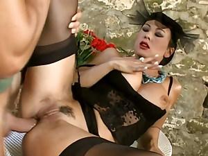 Italian Gal in ebony nylons pummeled by the gardener